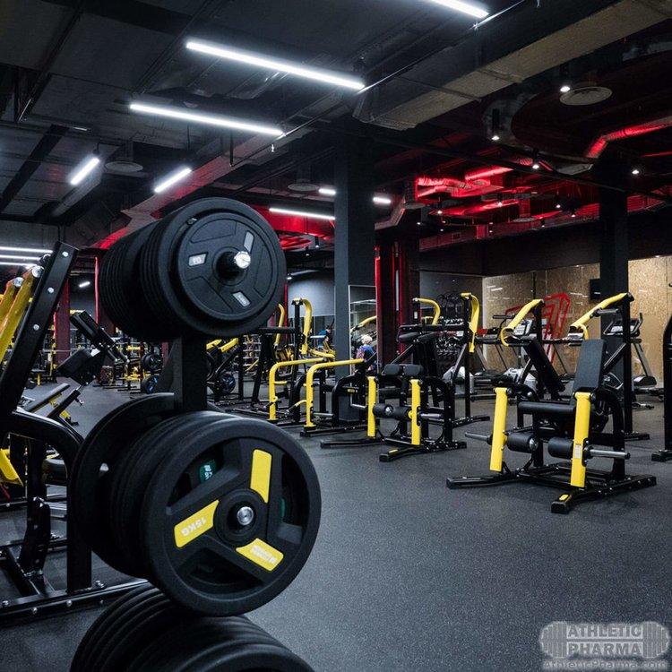Фото современного тренажерного зала