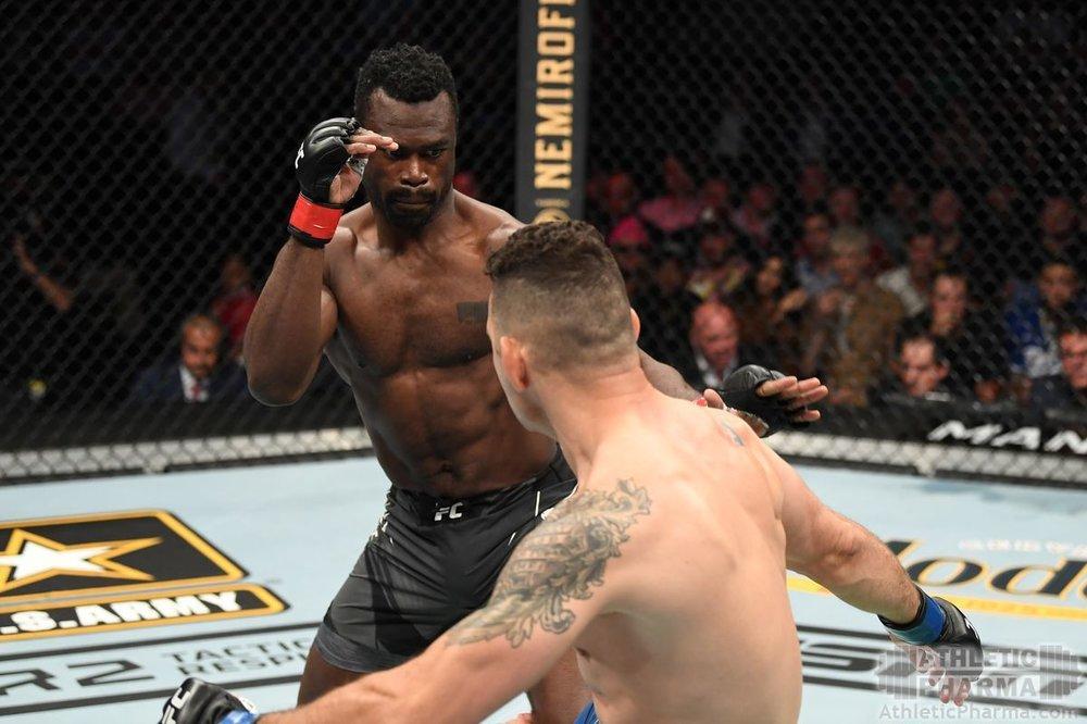 Бой Криса Вайдмэна и Юрайа Холла на UFC 261